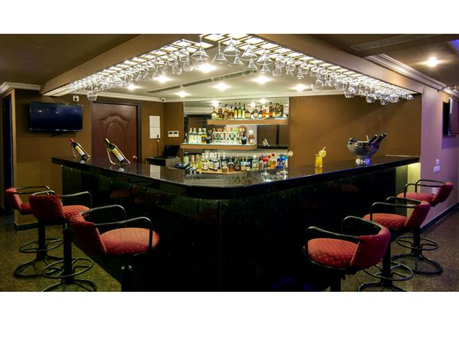 Shenbaga Hotel & Convention Centre - Puducherry - Bar