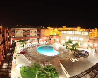 Leo Punta Umbria - Apartments - Punta Umbría - Zwembad
