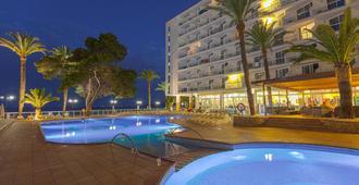 戈雷塔斯瑞尼斯水療飯店 - 伊維薩鎮 - 游泳池