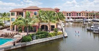 Naples Bay Resort & Marina - נייפלס