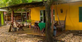 Pura Vida Mini Hostel Santa Teresa - Santa Teresa - Gebäude