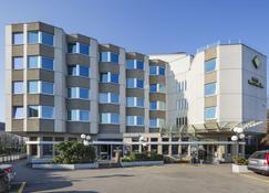 Hotel Welcome Inn - Kloten - Edificio