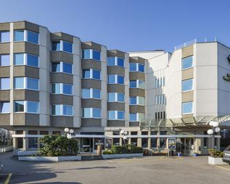 Hotel Welcome Inn - Kloten - Building