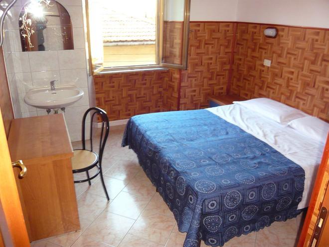 Cressy - Rome - Phòng ngủ