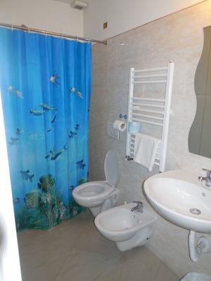 Cressy - Rome - Phòng tắm