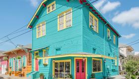 Olde Town Inn - New Orleans - Building