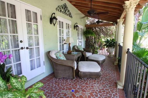 卡薩君怡酒店 - 西棕櫚海灘 - 西棕櫚灘 - 陽台
