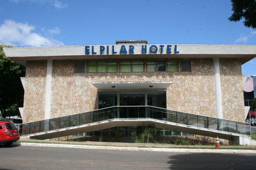 Hotel El Pilar - Бразилиа - Здание