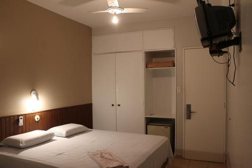 Hotel El Pilar - Бразилиа - Спальня