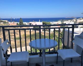 Villa Katerina Rooms & Apartments - Azolimnos - Balkón