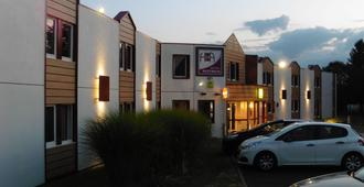 Logis Hôtel Astréa Nevers - Varennes-Vauzelles - Edificio