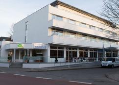 Hotel Yachtclub - Timmendorfer Strand - Κτίριο