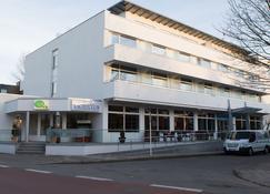 Hotel Yachtclub - Timmendorfer Strand - Building