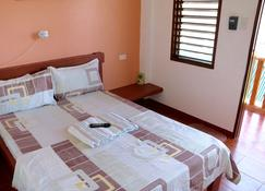 Badladz Beach And Dive Resort - Puerto Galera - Bedroom