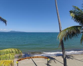 Badladz Beach And Dive Resort - Puerto Galera - Beach