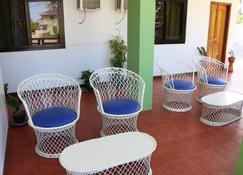Badladz Staycation Condos - Puerto Galera - Balcon