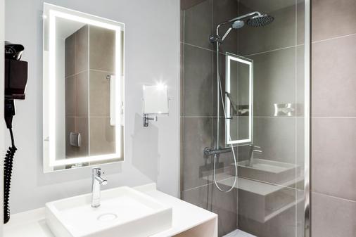 Novotel Madrid Campo de Las Naciones - Madrid - Bathroom