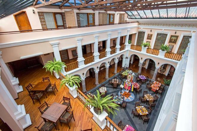Hotel Patio Andaluz - Quito - Building