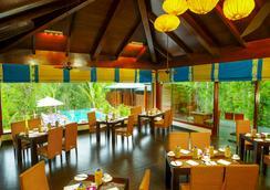 Niraamaya Retreats Cardamom Club - Thekkady - Εστιατόριο