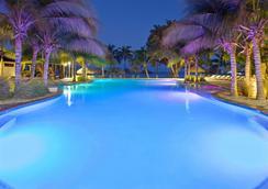 式阿魯巴島渡假村假日酒店 - 努德 - 棕櫚灘 - 游泳池