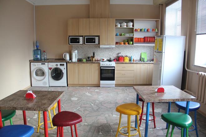 Krow Hostel - Irkutsk - Kitchen