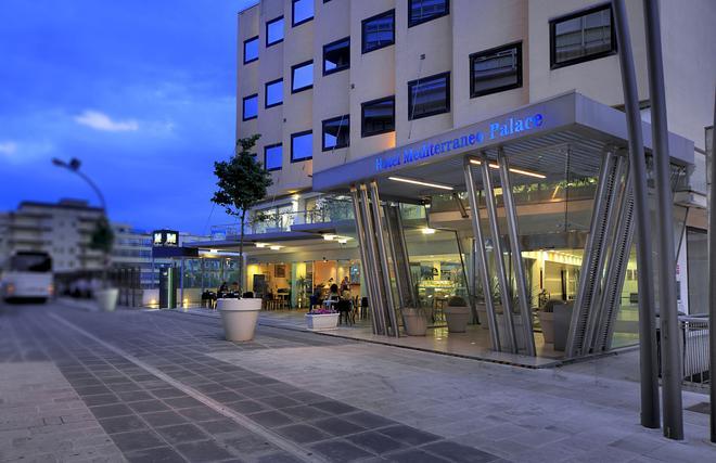 Mediterraneo Palace Hotel - Ragusa - Toà nhà