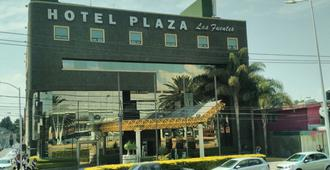 Hotel Plaza Las Fuentes - פואבלה