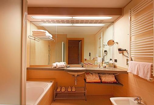 Hotel Caesius Thermae & Spa Resort - Bardolino - Μπάνιο