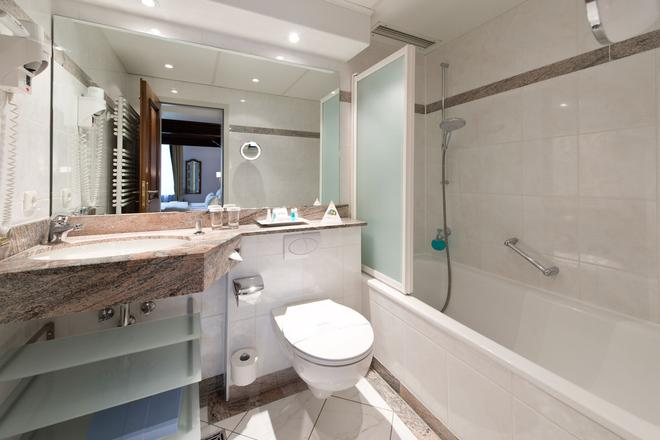 King's Hotel First Class - Munich - Bathroom