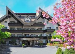 Hotel Vier Jahreszeiten - Silandro - Edificio