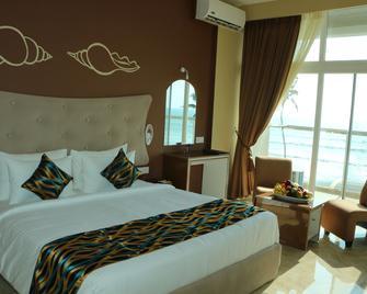 Ocean Queen Hotel - Wadduwa - Bedroom