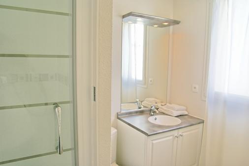 Appart Hôtel Le Liberté - Vannes - Bathroom