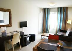 Appart Hôtel Le Liberté - Vannes - Living room