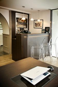 Kyriad Vannes Centre-Ville - Vannes - Bar