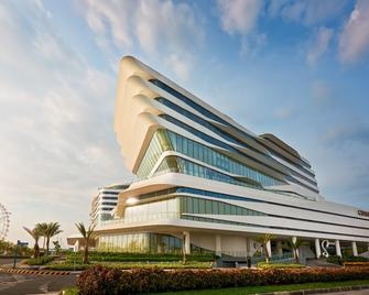 Conrad Manila - Pasay - Building