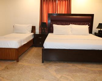 Clifton Guest Houses - Karachi - Bedroom