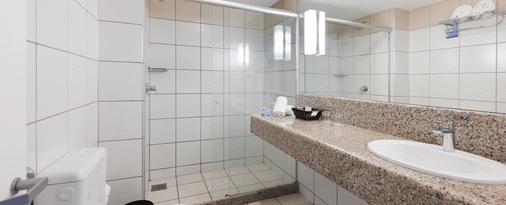Quality Hotel Fortaleza - Fortaleza - Bathroom