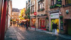 Barnacles Temple Bar House - Dublin - Building