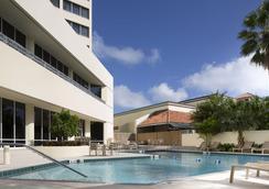 Holiday Inn Palm Beach Airport Hotel and Conference Center - Bãi biển West Palm - Bể bơi