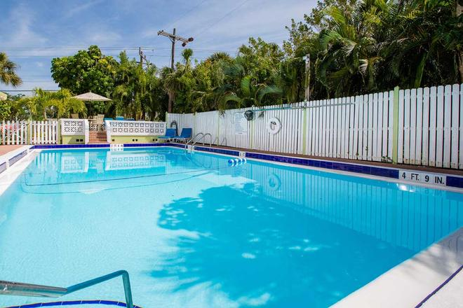 Beachview Cottages - Sanibel - Pool