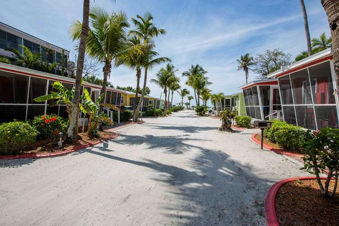 Beachview Cottages - Sanibel - Building