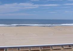 Majestic Hotel & Apartments - Ocean City - Beach