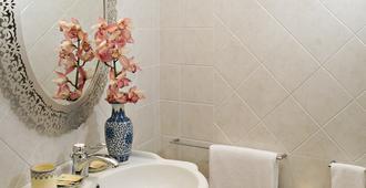 Palazzo Bernardini - Lecce - Bathroom