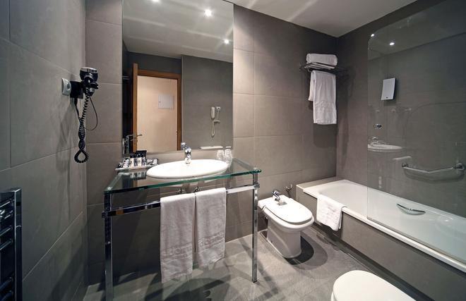 Hotel Sidorme Fuenlabrada - Fuenlabrada - Bathroom