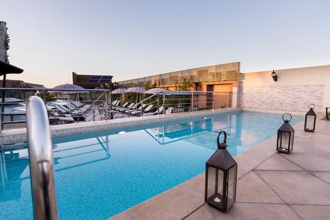馬拉喀什里酒店與里亞德藝術廣場 - 馬拉喀什 - 馬拉喀什 - 游泳池
