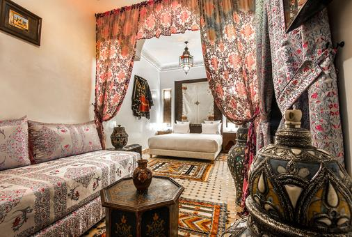 Hotel & Ryad Art Place Marrakech - Marrakesch - Wohnzimmer