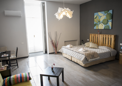 B&B Le 4 Stagioni Dante's Suites - Neapel - Schlafzimmer