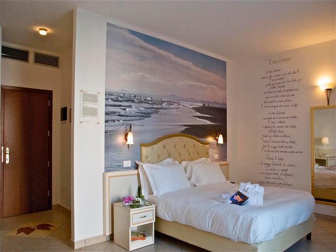 Hotel Sovrana - Rimini - Makuuhuone