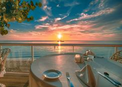 Travellers Beach Resort - Negril - Restaurang