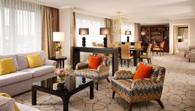 Sheraton Grand Warsaw - Warsaw - Living room